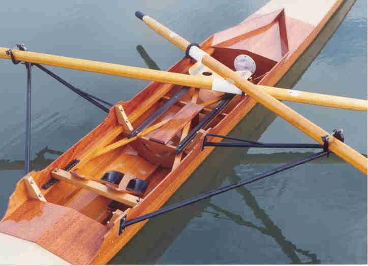 boat3.jpg (26553 bytes)